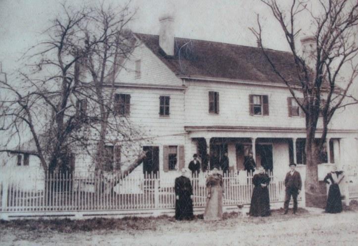 spy-house-ghosts